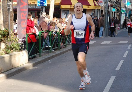 Fabrice a les crocs sur les 5km de Malakoff 2008