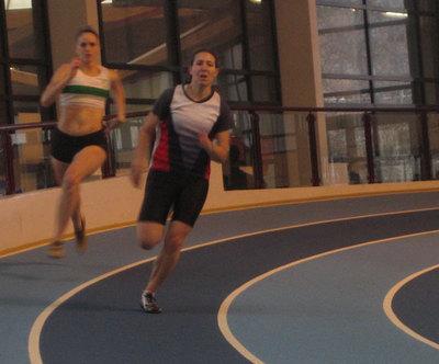 Caroline bat son record sur 200 m aux Championnats d'Ie de France