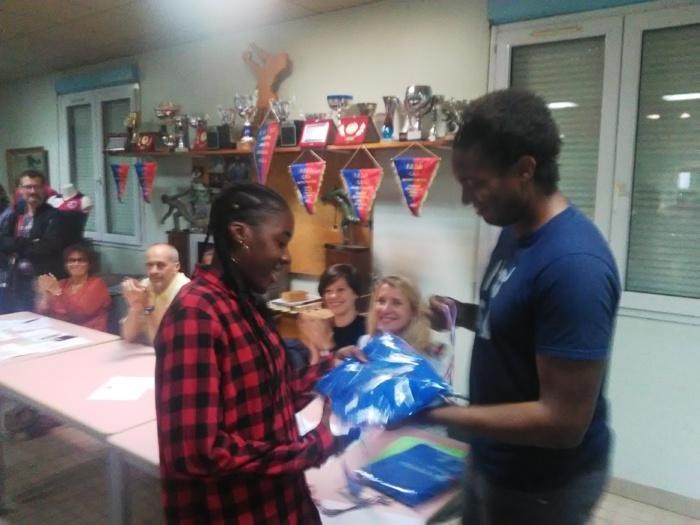 Louciana Rosbif récompensée par son entraineur.