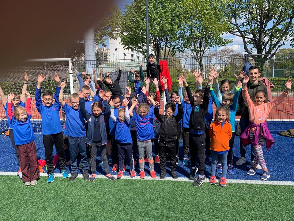 Les jeunes avec leur entraineur Ayoub Zebdi