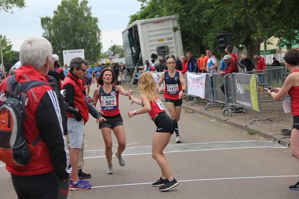 Les équipes mixte et féminine au passage de relais
